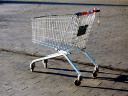 Einkaufswagen- (Shutterstock-Rudolf-Struzyna)