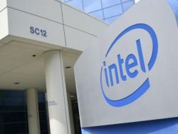 Intel_ Logo Firmenschild (Bild: Ben Fox Rubin, CNet.com)