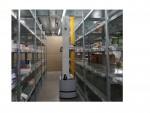 Roboter kommissioniert Warenauslieferung Stück für Stück