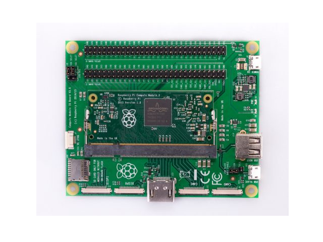 Compute Module 3 auf dem Compute Module IO Board V3 (Bild: Raspberry Pi Foundation)